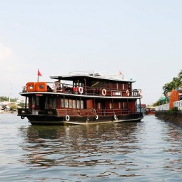 Discover the Mekong Delta on a sampan