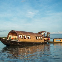 Private cruise in Song Xanh sampan on the Mekong River